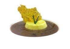 Crema di cipolle rosse con tartra' di Parmigiano Reggiano - www.boeucc-saronno.it - Ristorante Boeucc Saronno